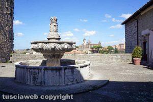 Viterbo - La loggia di Palazzo dei Papi