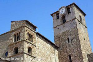 Viterbo - I due campanili della chiesa di San Sisto