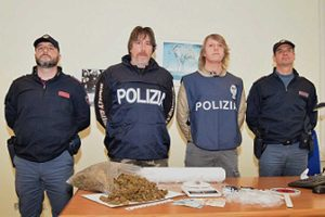 Polizia - Squadra mobile - La droga sequestrata