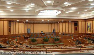 Il consiglio regionale vuoto