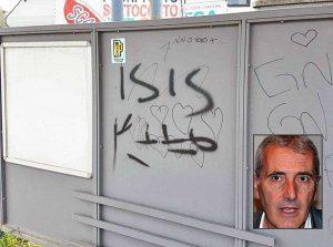 """Civita Castellana - Scritta """"Isis"""" alla stazione della Roma Nord-Catalano - Nel riquadro il vicesindaco Contessa"""