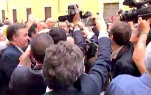 Matteo Salvini fuori palazzo Giustiniani con Alessandro Usai