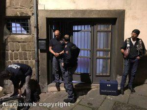 Viterbo - Omicidio in via Fontanella del Suffragio - L'intervento della polizia
