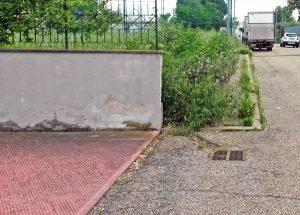 Viterbo - Il marciapiede impraticabile