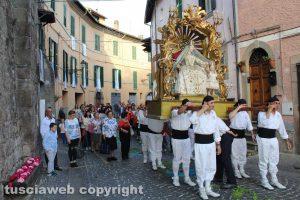 Canepina - La processione della Madonna del mese di maggio