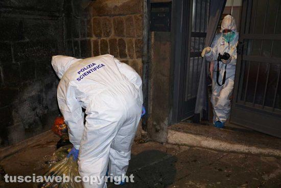 Viterbo - Omicidio in via Fontanella del Suffragio - L'intervento della polizia scientifica