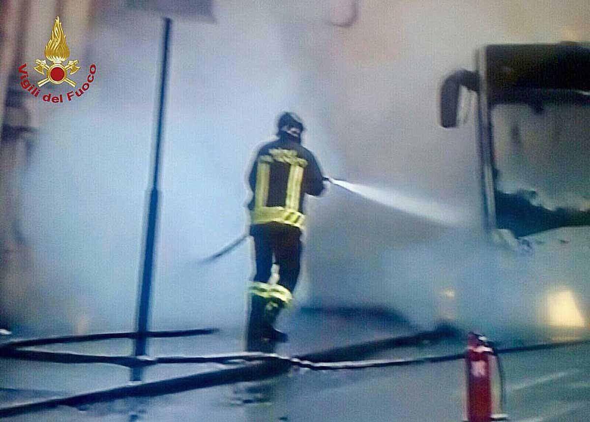 Roma. Bus in fiamme, la risposta di Atac