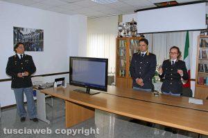 L'ispettore capo Luca Tomassini, il capo della squadra volante Riccardo Bartoli e dell'ufficio di gabinetto Tiziana Cencioni presentano l'app You Pol