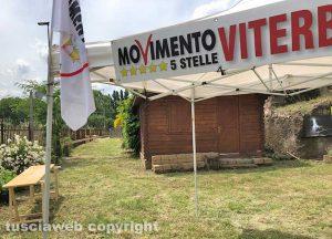 Viterbo - Gazebo e bandiere di M5s a Poggio Giudio
