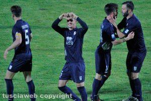 Sport - Calcio - Viterbese - I gialloblù esultano dopo il gol di Di Paolantonio