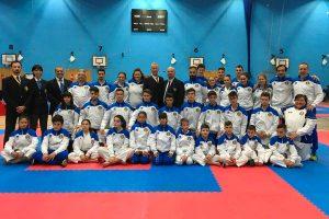 Sport - Karate - I ragazzi della scuola Keikenkai a Londra