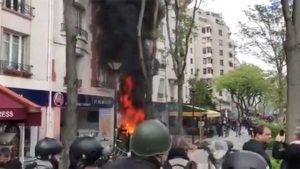 Primo maggio di scontri a Parigi