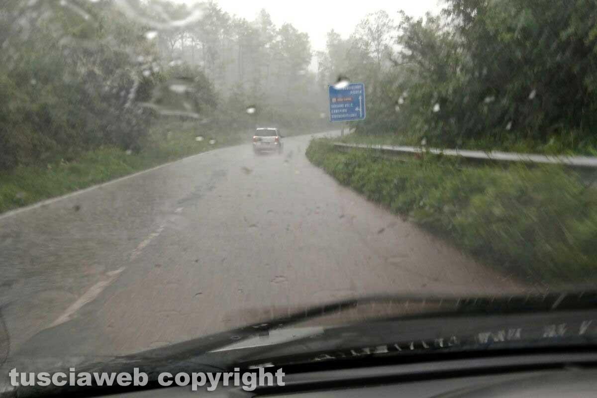 Cimina, strada pericolosa specialmente quando piove