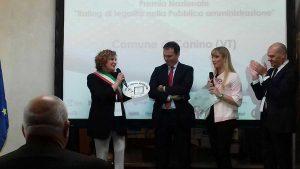 consegna-del-premio-con-presidente-Nicastri