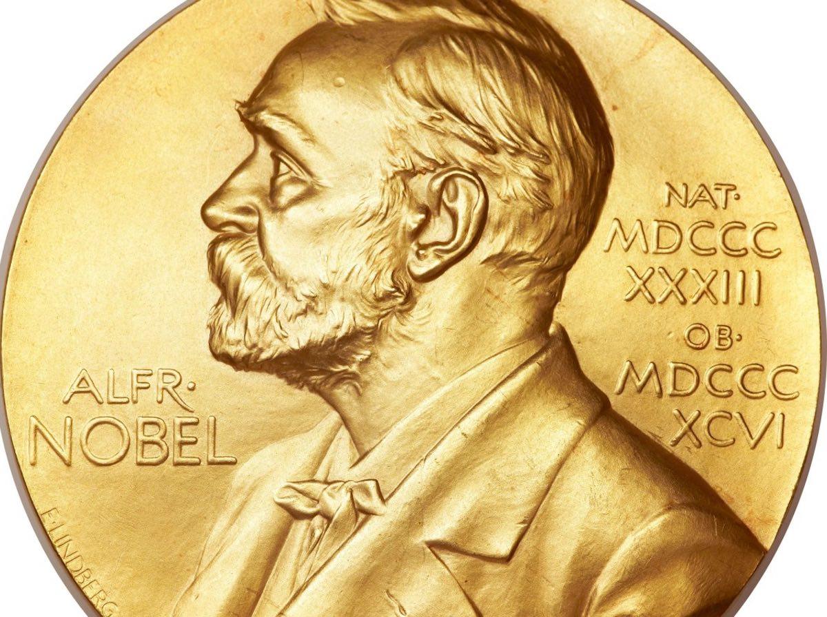 Nobel per la Letteratura 2018 non verrà consegnato dopo le molestie sessuali