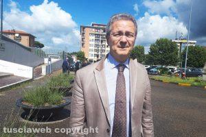 Viterbo - Giancarlo Gabbianelli all'uscita del tribunale