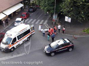 Montefiascone - Donna caduta in strada - L'ambulanza del 118 e i carabinieri