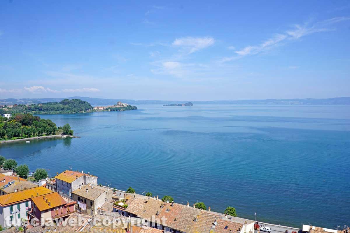 Lago di martignano vicino roma come arrivare e cosa vedere
