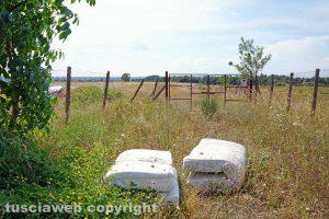 Vetralla-Cinelli - L'ingresso della discarica