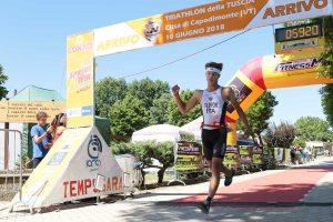 Luca Filipponi vince il triathlon di Capodimonte