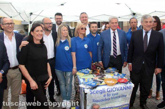 Antonio Tajani al gazebo Forza Italia