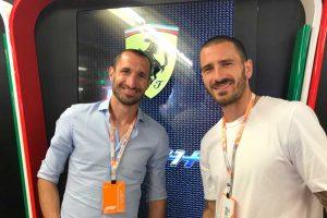 Sport - Bonucci e Chiellini nel box della Ferrari
