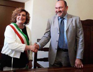 Canino - Il sindaco Lina Novelli e il procuratore di Enel Italia, Fabio Simonelli