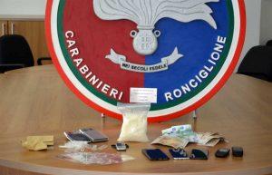 Carabinieri - Ronciglione - Lo shaboo sequestrato