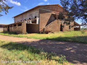 Viterbo - Località Vaccareccia - L'edificio per l'essicazione del tabacco oggi