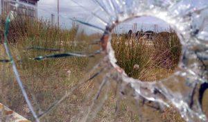 Bullicame - Uno dei buchi sul vetro
