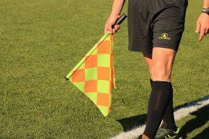 Sport - Calcio - Violenza contro gli arbitri, l'Aia blocca i campionati