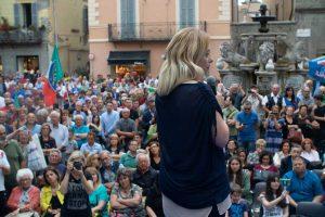 Giorgia Meloni a piazza delle Erbe