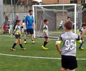 Il piccolo Vasyl corona il sogno di giocare a calcio