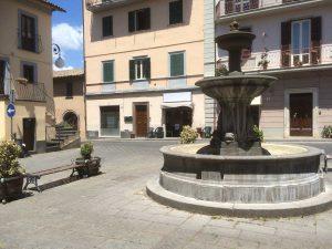 Castiglione in Teverina - Piazza del Poggetto - Fontana senz'acqua