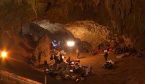 I soccorsi nella grotta Tham Luang