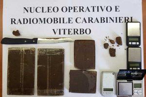 Viterbo - La droga sequestrata dai carabinieri