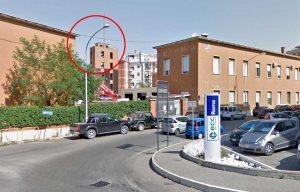 Viterbo - Via Monte Zebio - Nel cerchio: Il lampione che è stato abbattuto