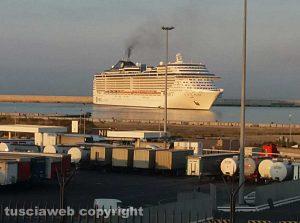 Civitavecchia - Nave Msc al porto