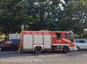 Viterbo - L'intervento dei vigili del fuoco in via Carlo Cattaneo