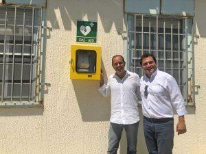 Montalto - Defibrillatore fuori la farmacia comunale - Sergio Caci e Fabio Valentini