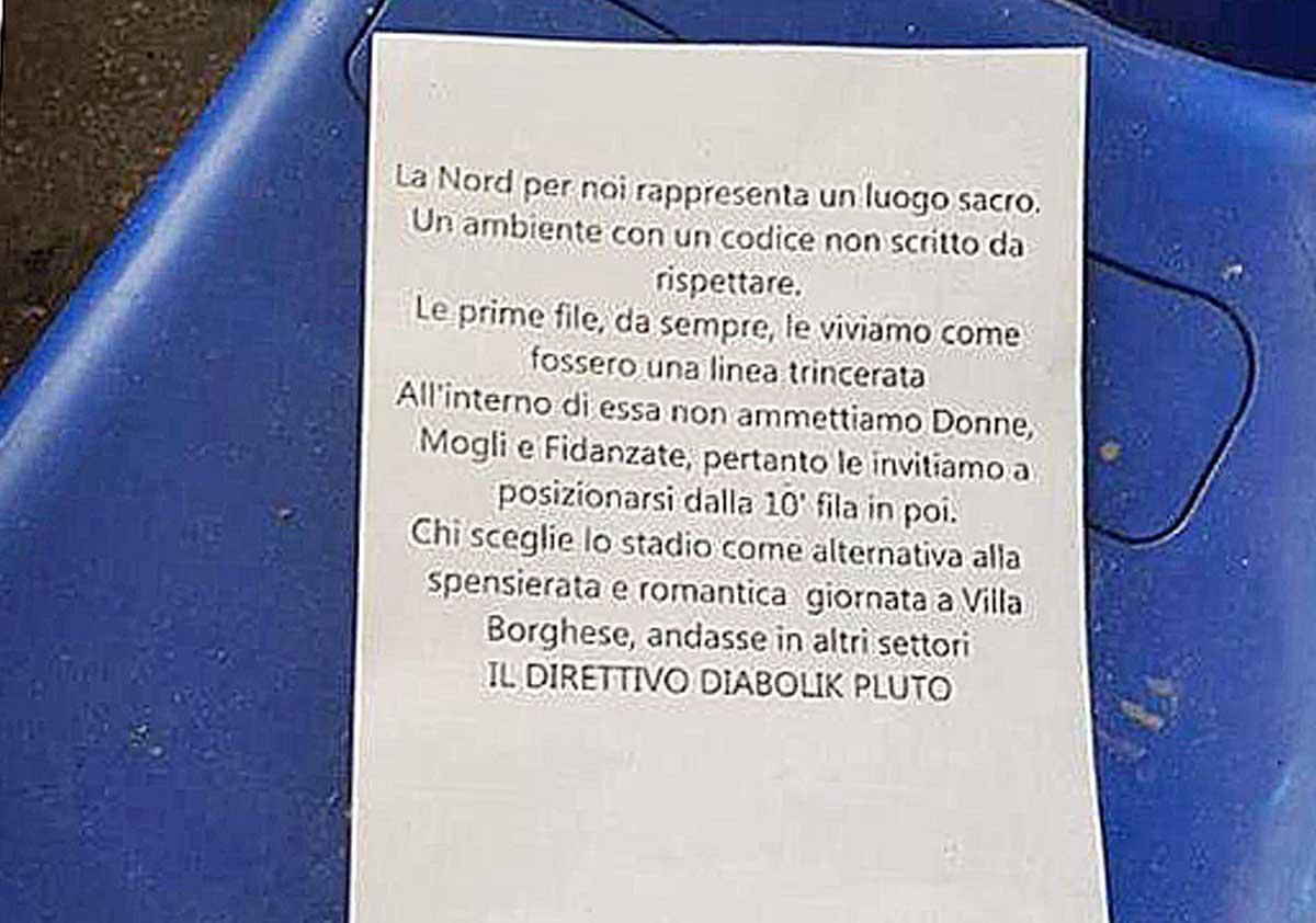 Roma- Il volantino trovato sugli spalti della curva nord all'Olimpico