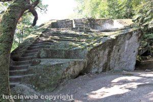 Bomarzo - La stupefacente piramide etrusca