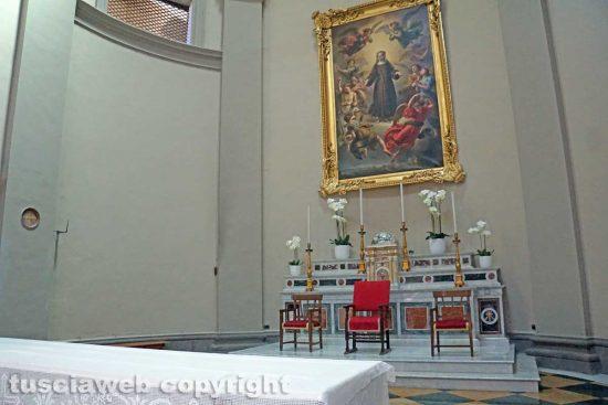 Viterbo - L'altare con il logo dell'Azione Cattolica