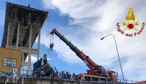 Genova - Crollo ponte Morandi - Vigili del fuoco al lavoro