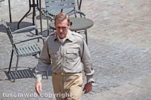 """Catch-22 - Nel cast c'è anche Hugh Laurie (""""Dr. House"""")"""