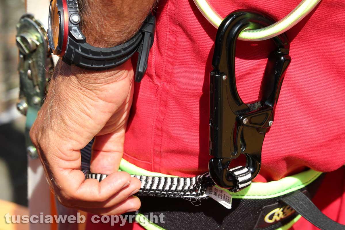 Cade in un crepaccio sulle Alpi, morto sciatore