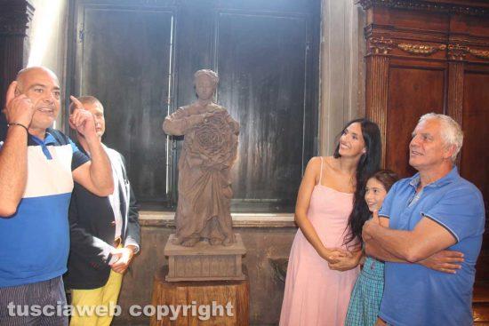 Viterbo - Comune - La statua di santa Rosa