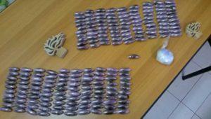 Marta - Gli ovuli contenenti drogra sequestrati dai carabinieri