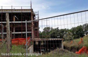 Montefiascone - Il cantiere sequestrato a Poggio del Crognolo