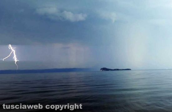 Bolsena - Temporale al Lago